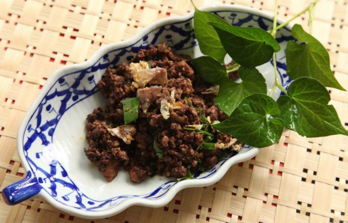Lard Thai Meat Salad