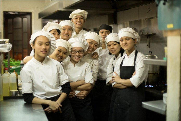 Hanoi cooking classes chef