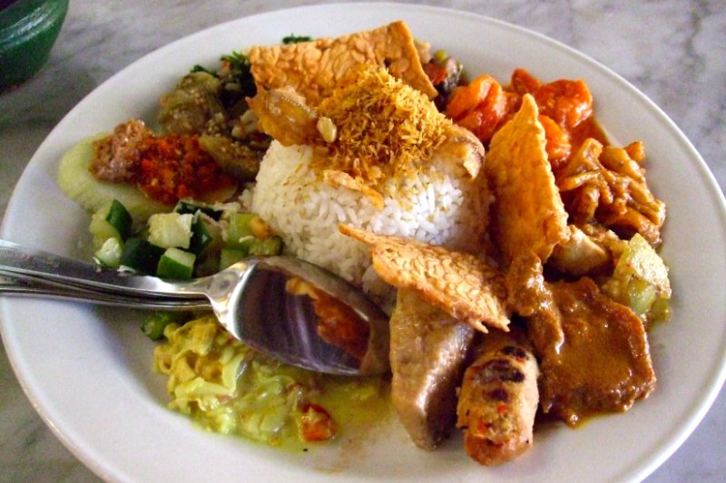 what-to-eat-in-bali-nasi-campur