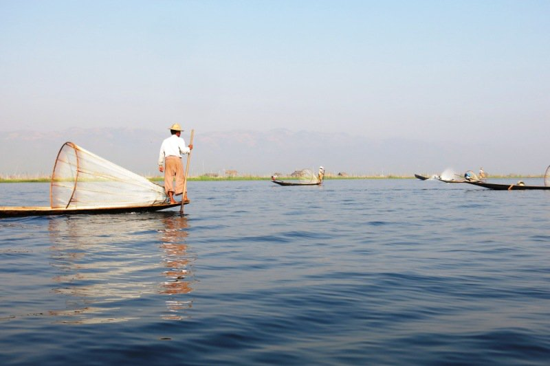 fishing on inle lake jade house