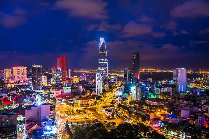 Malte Blas - Luxury Travel Vietnam - Saigon Skyline